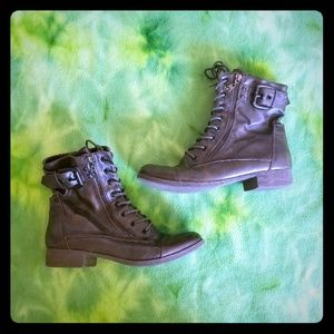 Guess combat style boots size 9M